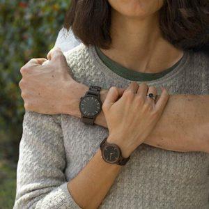 relojes de madera mujer y hombre